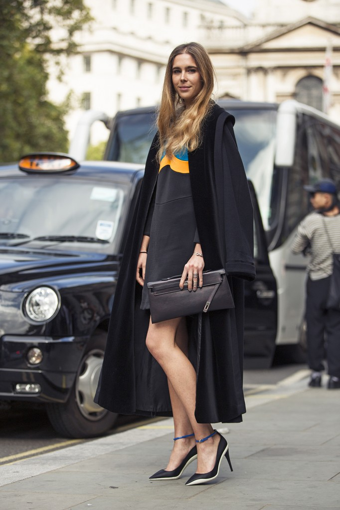 Street Style Moment At London Fashion Week