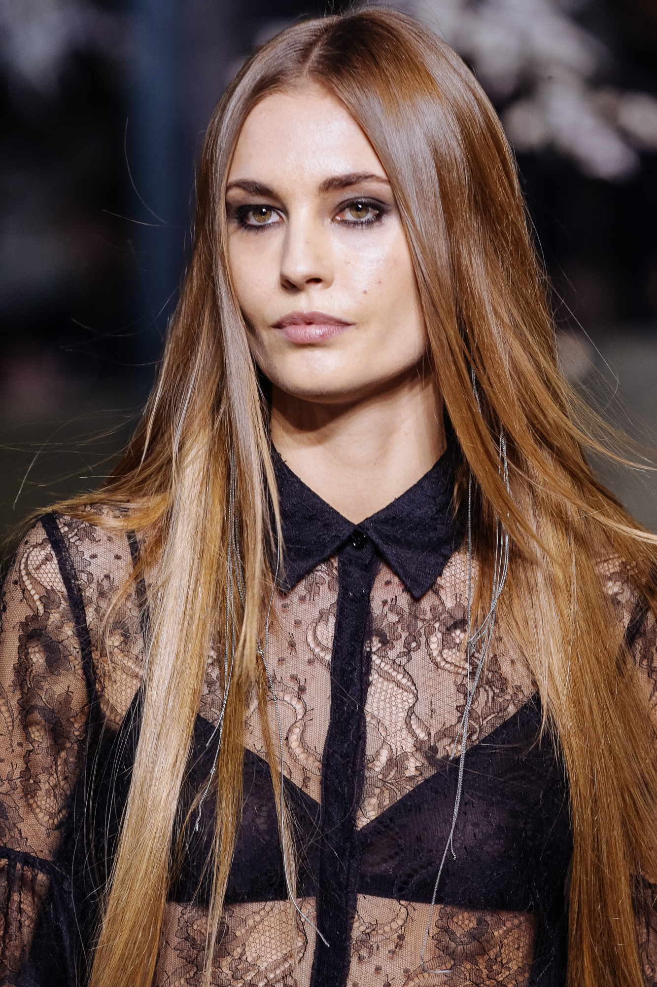 Beauty Trends Straight From H&M Catwalk In Paris Fashion Week